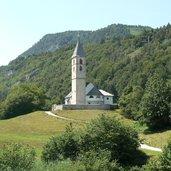 C-P1120658-Fennberg-Fenner-See-Kirche-St.Leonhard_ED.JPG