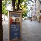 RS bruneck grosser graben schild universitaet bruneck
