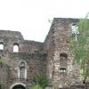 The ruin of Boymont also hosts a tavern, ideal for a break in historic walls. Foto: RD, © Peer
