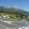 Der Kreisverkehr am Pillhof: Wir fahren darüber und folgen dem Wegweiser nach Frangart. Foto: AT, © Peer