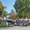 Ogni lunedì a San Paolo ha luogo il mercato, frequentato sia dagli abitanti di Appiano che da turisti. Foto: AT, © Peer