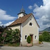 This romantic chapel is surrounded by farmsteads and residences. Foto: AT, © Peer