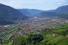 Bolzano Hotels and apartments