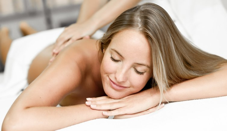RS massage wellnness relax entspannen person