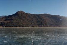 Lago di Caldaro d'inverno